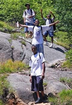 happy-hikers-2